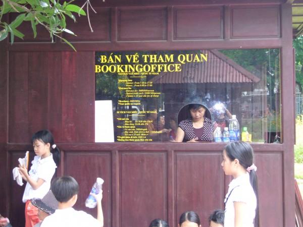 Vestige Van Mieu Quoc Tu Giam  - ticket counter at entrance.
