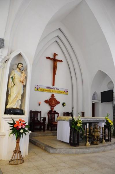sapa stone church2