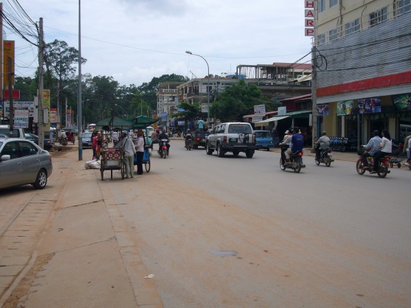 after Tonle Sap Lake, while heading back to the hotel, we stopped by this street (can't remember the name) looking for shops to buy refreshments like mineral water.