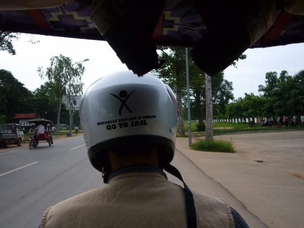 I like his helmet...